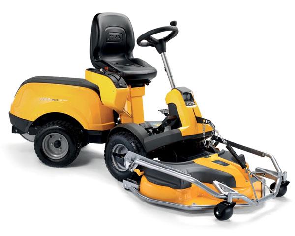 Park 740 PWX Ride On Lawnmower